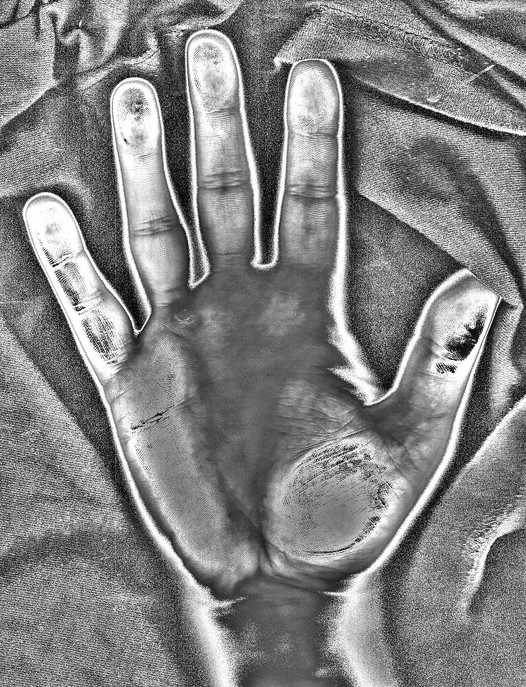 HDR Infrared Hand Scan by joerelic37