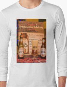 Offers good beer!!! Long Sleeve T-Shirt