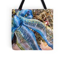 Blue & Silver Christmas Bow ~ Trendy New Year Holiday Gifts w/ Gold Mesh Ribbon, Fluffy Feathers & Xmas Lights Tote Bag