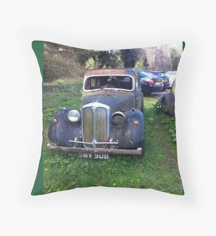 Old American car Throw Pillow