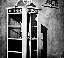 Public Telephone - Mono by KBritt