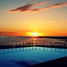 Aquamarine Sunrise by Masterclass