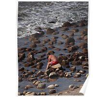 Sitting on the rocks of the bay - Sentado en las piedras de la bahia Poster