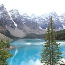 Incredible blue lake of Moraine by Andy Newham