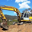 Katu HD900 Excavator by buildings