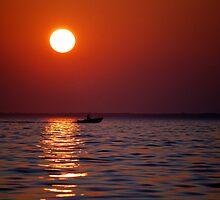 Who Loves The Sun II by hamptonsgateway