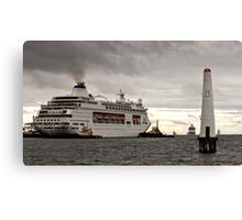 Pacific Pearl at Station Pier, Melbourne Canvas Print
