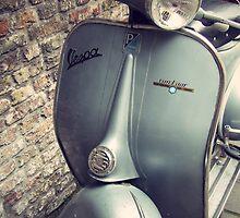 Vintage Vespa by jo1079ch