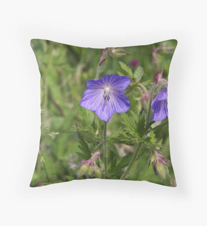 Soft blue Crane´s bill Throw Pillow