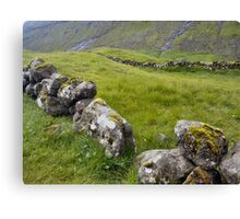 PHL 1 ROCK WALL FAROES  Canvas Print