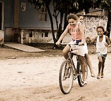 Girls playing by Camila Bruce Photography