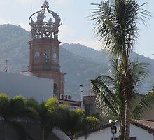 The crown at the main tower of the Parroquia de la Virgen de Guadalupe by PtoVallartaMex