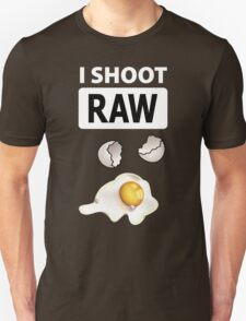 I shoot RAW (egg) - inverse T-Shirt