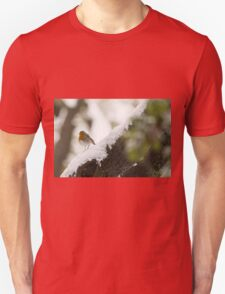 European Robin (Erithacus rubecula) perched on a branch in the snow,  Unisex T-Shirt