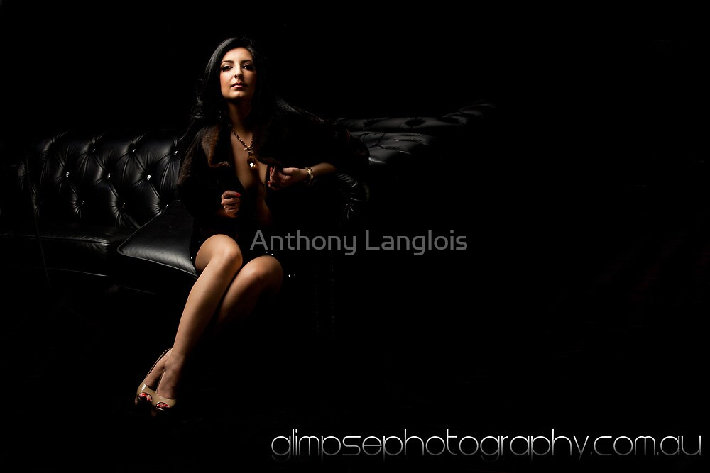 in the dark... by Anthony Langlois