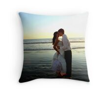 A kiss on the beach Throw Pillow
