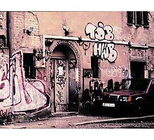 GRAFFITI STRASSE BERLIN by REKHA Iyern [Fe] Records Canada