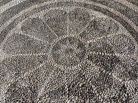 Shiny pebbles: rosette