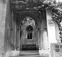 St Dunstans in the East garden by tunna