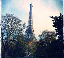 Eiffel Tower by VinieBoutin