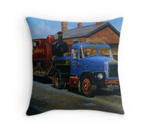 Scammell Highwayman lowloader. Throw Pillow