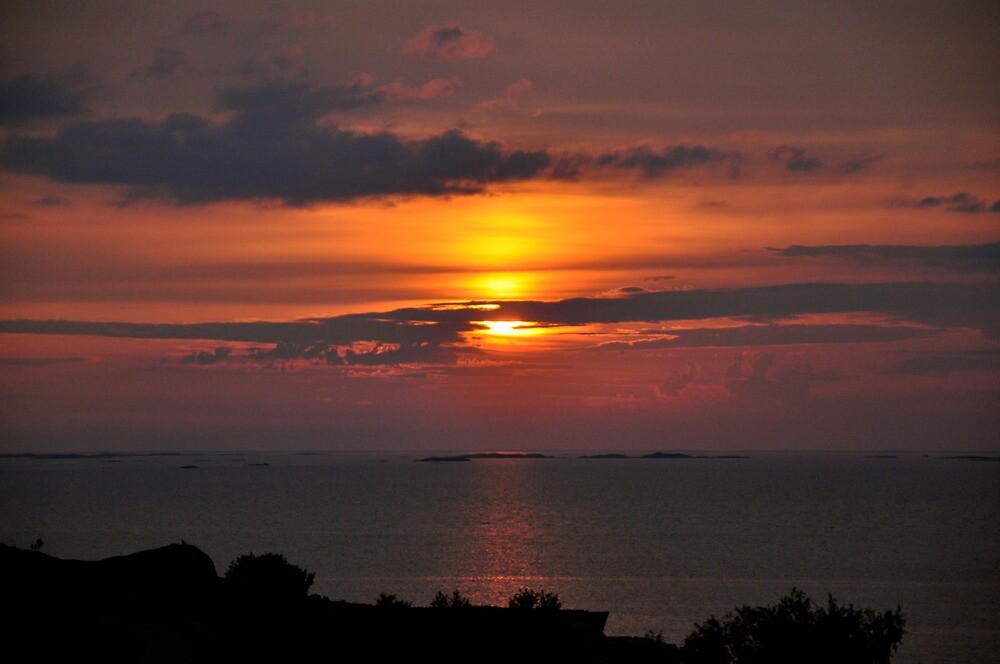 sunset  by Jari Hudd