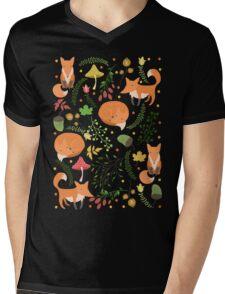 Foxes pattern Mens V-Neck T-Shirt