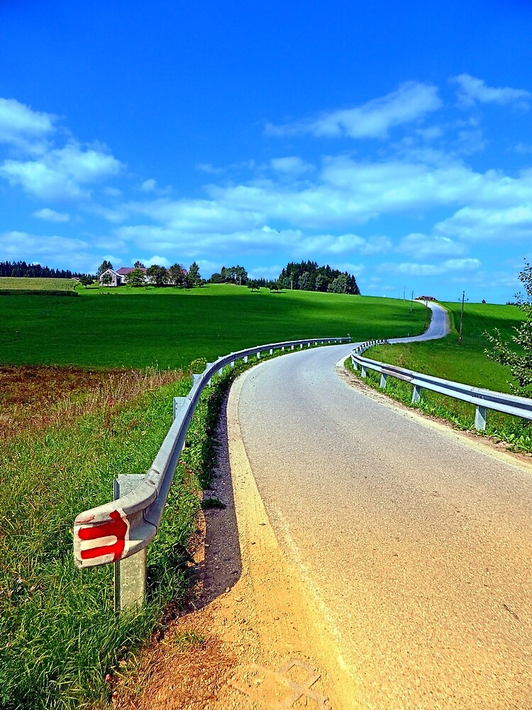 Country road into amazing panorama | landscape photography by Patrick Jobst