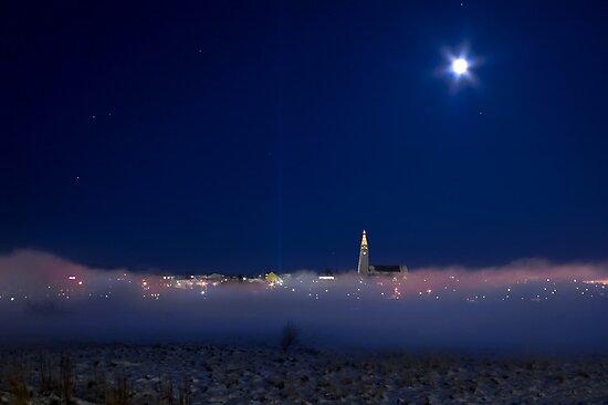Cold night in Reykjavík by Ólafur Már Sigurðsson