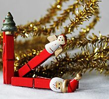 Season's Greetings -Christmas Pegs- by Evita