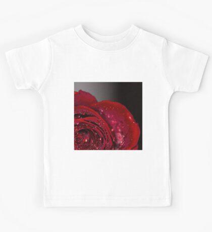 Red Rose macro 2 Kids Tee