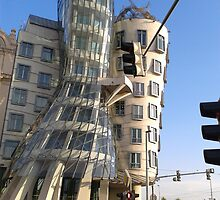 dancing house ( prague) by claw1988