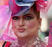 Drag Queen, Gay Pride NYC 2010 by Robert Ullmann