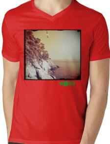 Free - T.shirt green caption Mens V-Neck T-Shirt