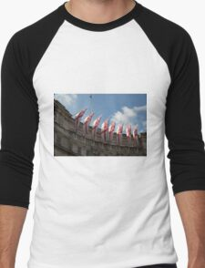 Flags fly on Admiralty Arch Men's Baseball ¾ T-Shirt