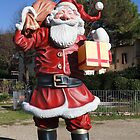 A giant Santa Claus by catiapancani