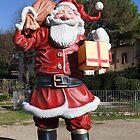 A giant Santa Claus by catiapancani