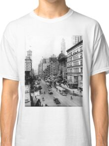 Vintage Broadway NYC Photograph (1920) Classic T-Shirt