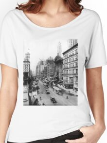 Vintage Broadway NYC Photograph (1920) Women's Relaxed Fit T-Shirt