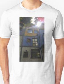 Hundertwasserhaus Vienna, Austria T-Shirt