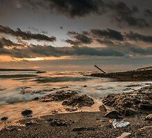 Silence of the waves by hayrettinsokmen