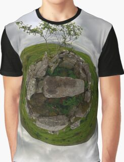 Tomb: Croaghbeg Court Tomb, Shalwy Valley, Donegal Graphic T-Shirt