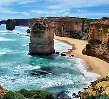 Twelve Apostles, Great Ocean Road by pensivepanther