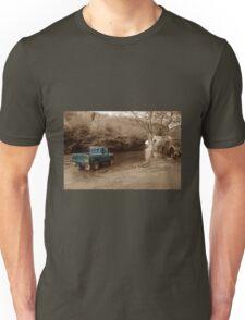 Landrover vs the river Unisex T-Shirt