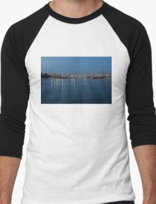 Mediterranean Blue Hour Magic - Valletta's Marsamxett Harbour Shimmering Lights Men's Baseball ¾ T-Shirt