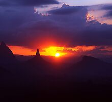 Glasshouse mountains sunset by Nick Milton