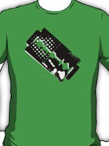 razor blade - broken hearts T-Shirt