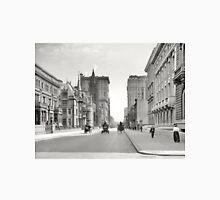 Vintage Fifth Avenue NYC Photograph (1908) Unisex T-Shirt