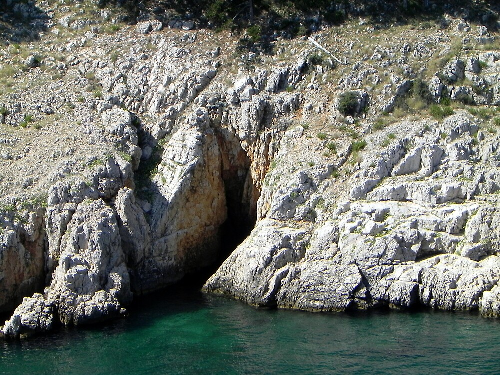 Green water's cave by ColdFusion