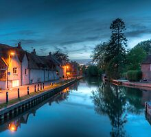 Newbury Canal at Night by Pete Halewood